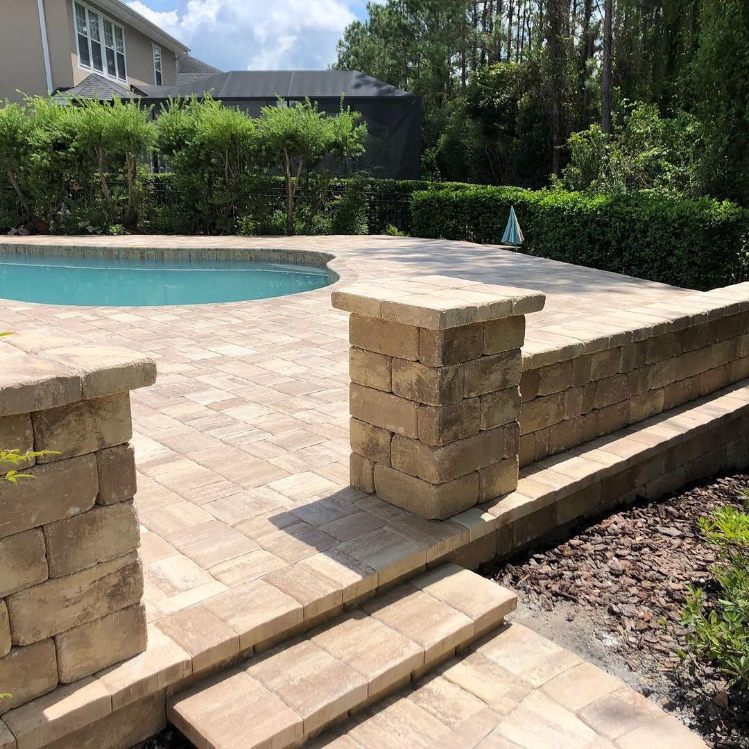 paver-pool-deck-columns